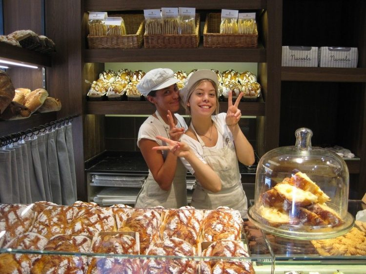 Charming bakers at Lake Como