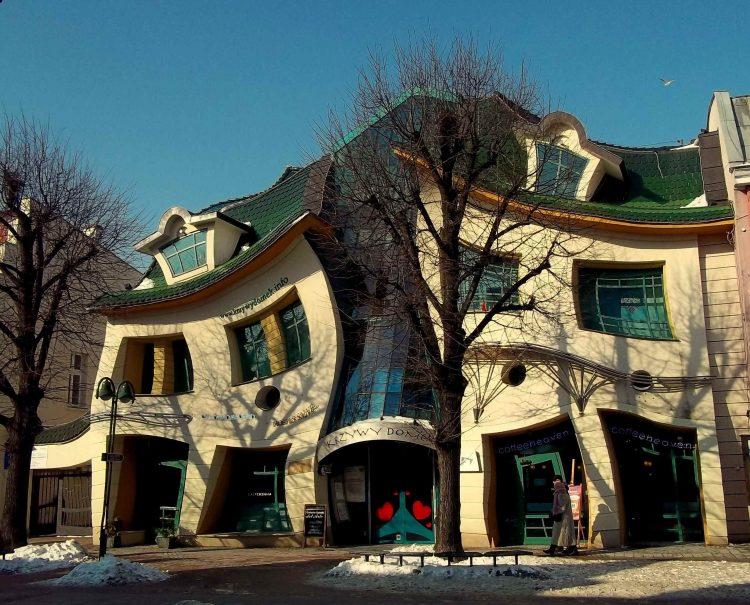 Said Crooked House, Sopot