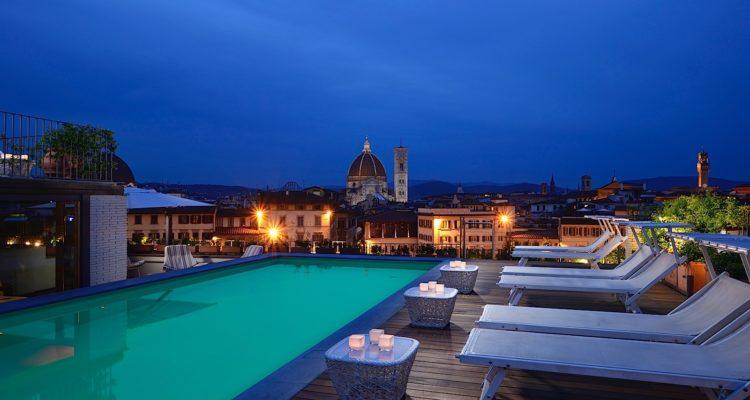 Photo from the Grand Hotel Minerva: https://www.grandhotelminerva.com/en/food-and-drinks_sky-lounge.html
