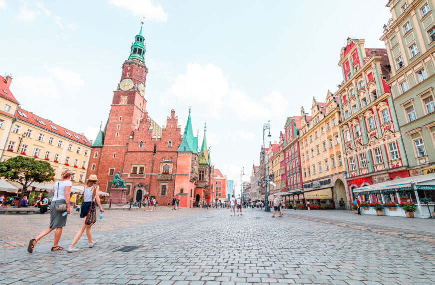 Travel to Poland in 2021